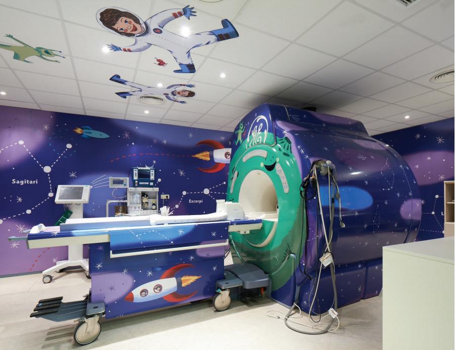 Bučni i zastrašujući MR stroj transformira se u svemirski broj
