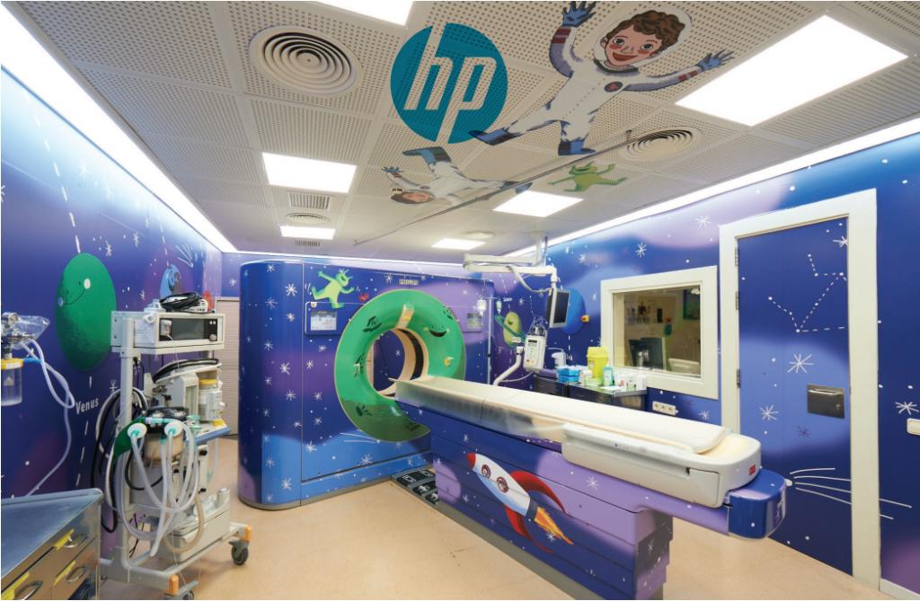 Put u svemir - MR odjel specijalizirane dječje bolnice u Barceloni uređen je tako da djetetu skrene pozornost od stresne situacije i pretvori ju u igru i avanturu na temu astronauta i svemirskih brodova