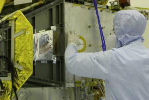 Eno me, eno me! CD s 434.738 imena zalijepljen je na kućište svemirske letjelice New Horizons prije 10 godina