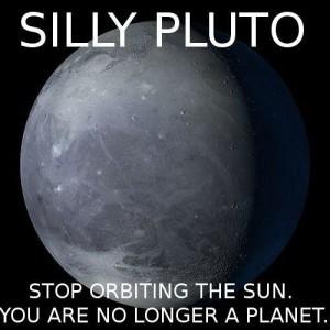 Know Your Meme nabraja samo neke od mnogobrojnih internetskih memea na temu Plutona kao planeta...